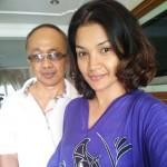 00005 - Jarang Tayang Suami, Zarina Zainuddin Jaga Hati Madu - ROTIKAYA